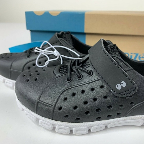 Black Surprize by Stride Rite Toddler Boys Tex Land /& Water Shoes Size 7
